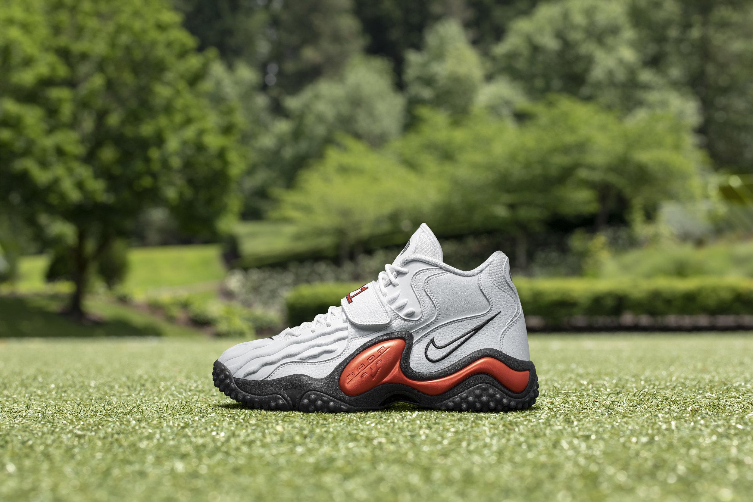 Nike_NFB_Energy_FW_Barry_Sanders_L_Lateral.jpg