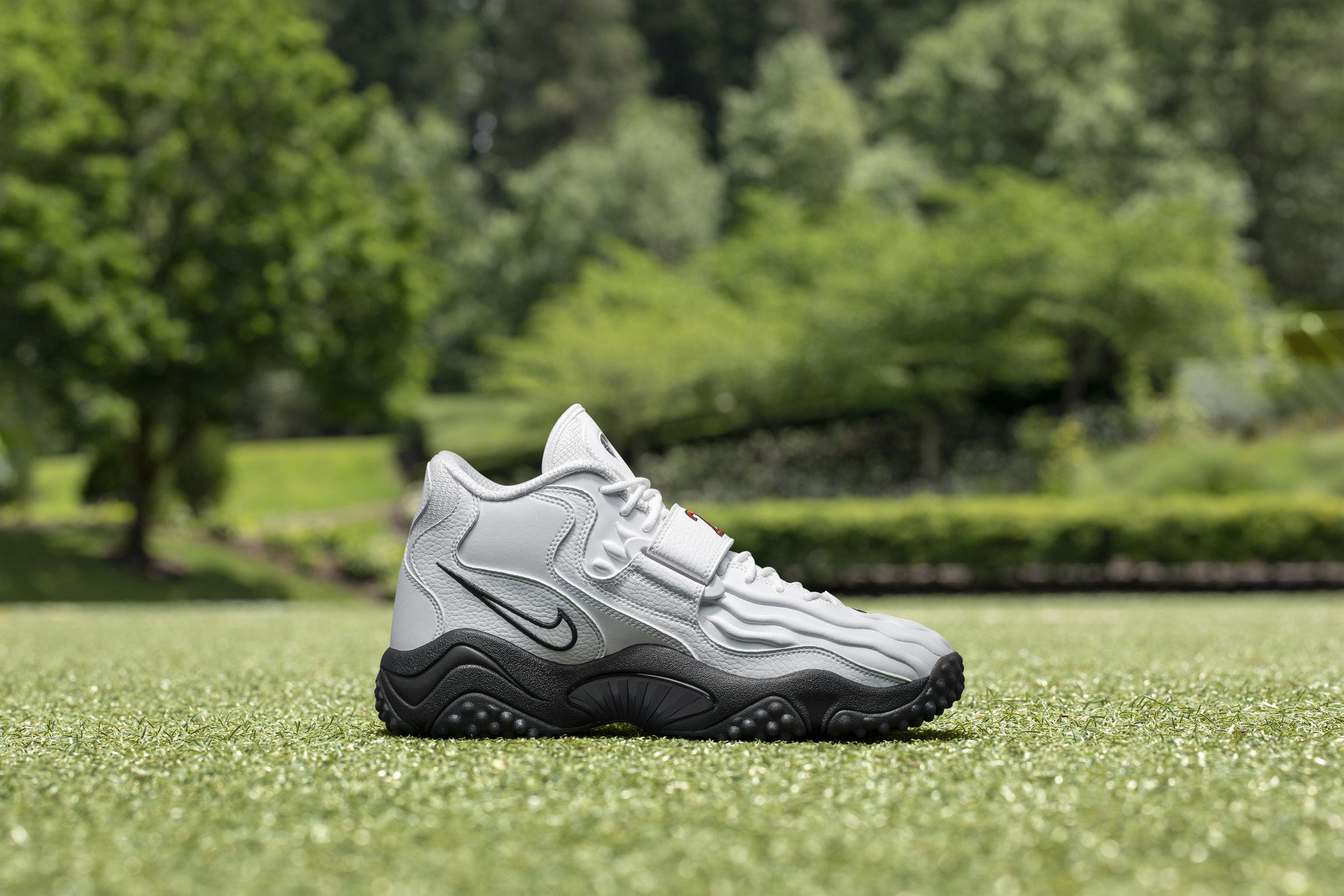 Nike_NFB_Energy_FW_Barry_Sanders_L_Medial.jpg