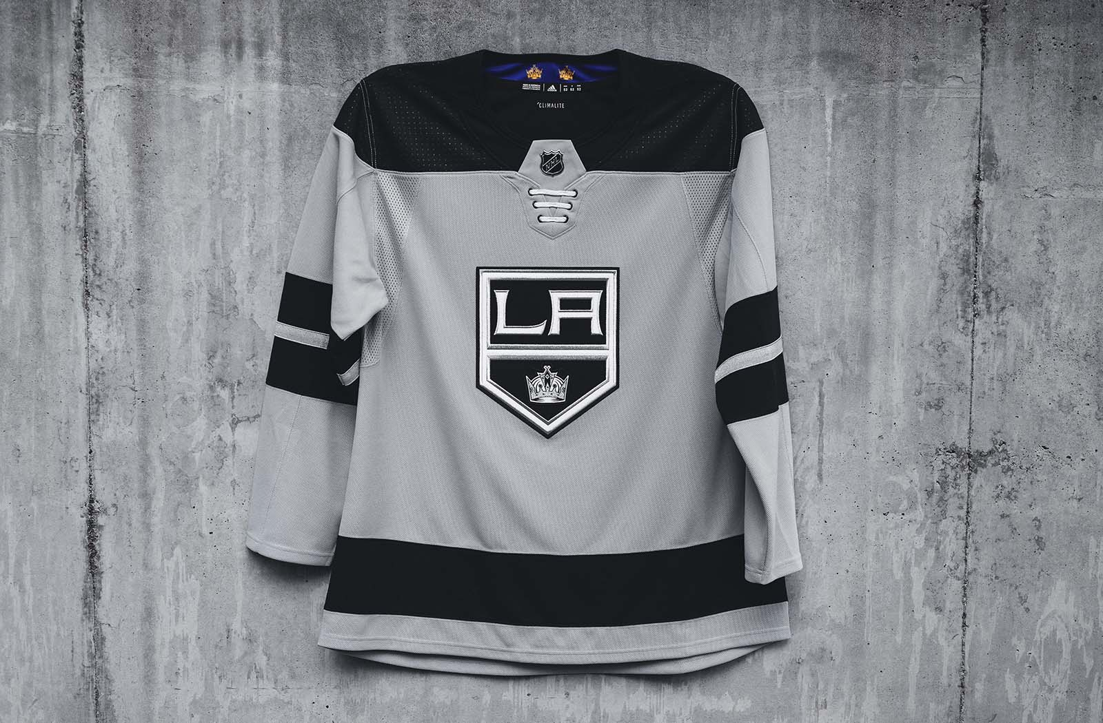 adidasHockey_Kings_SilverJersey_001.jpg