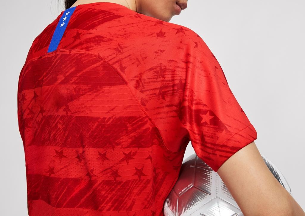 2019 WNT USA kit red back.jpg