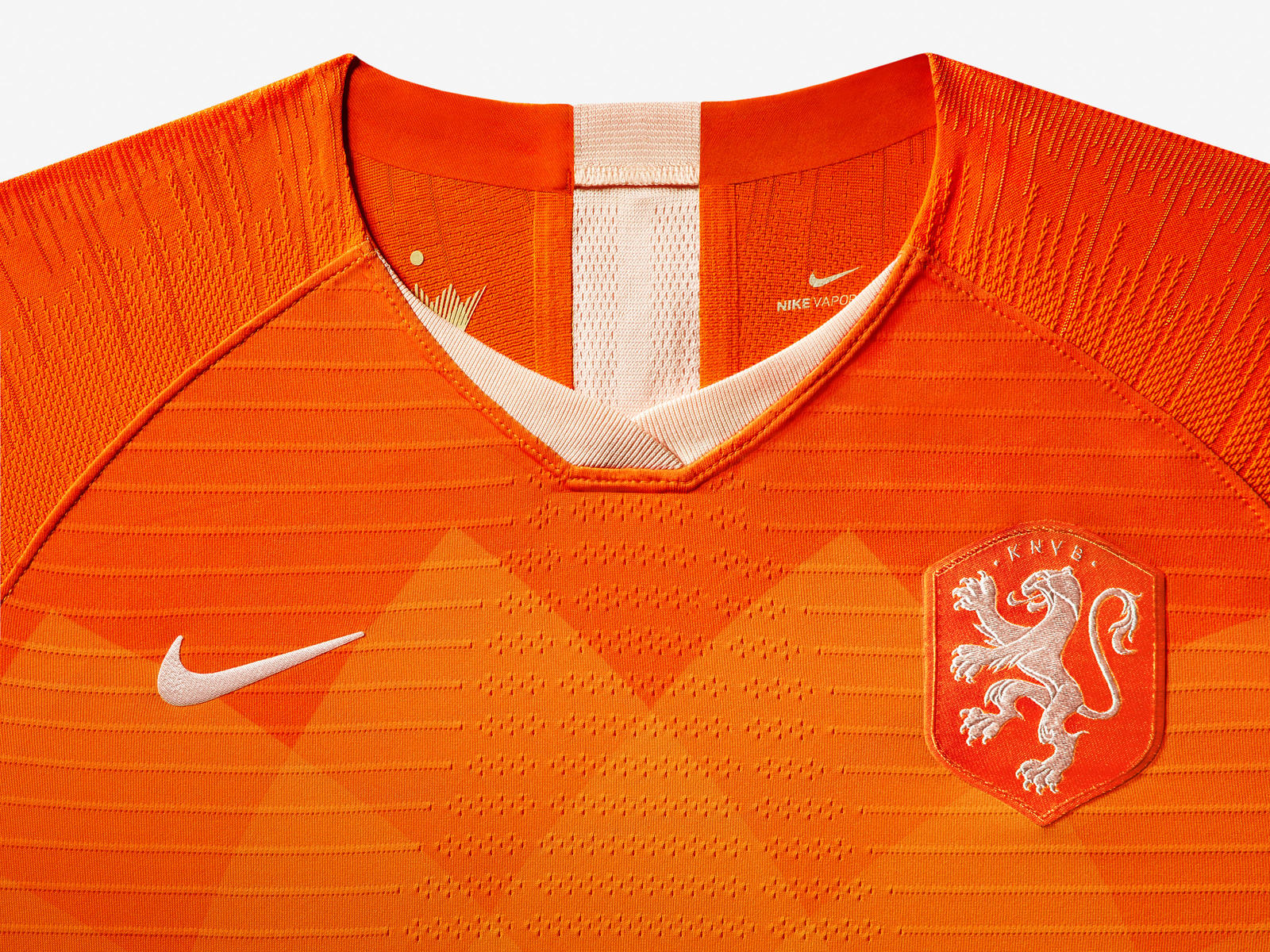 netherlands-national-team-kit-2019-laydown-003_85949.jpg