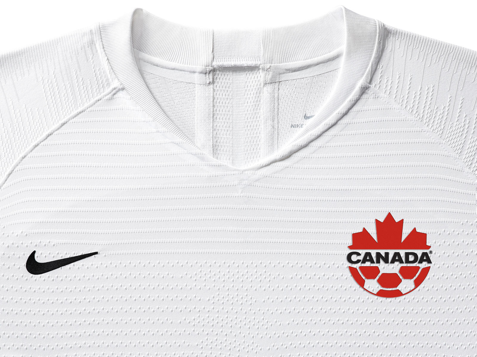 canada-national-team-kit-2019-laydown-1_85914.jpg