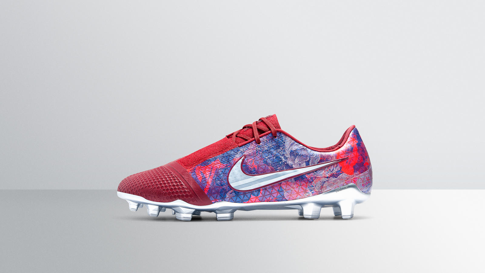Nike_FeaturedFootwear_PVenom_EliteSE_AlexMorgan-1445_hd_1600.jpg