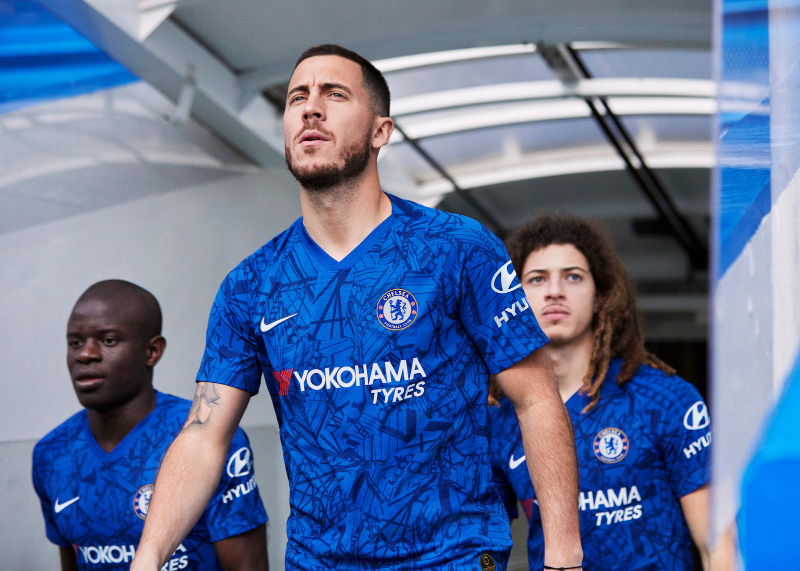 Nike_ChelseaFC_HomeKit_2019-20_3_SS_rectangle_1600.jpg