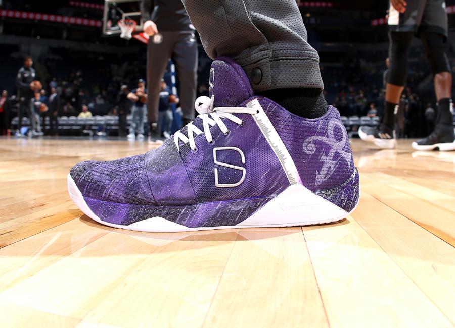dinwiddie-sneakers-2019-11.jpg