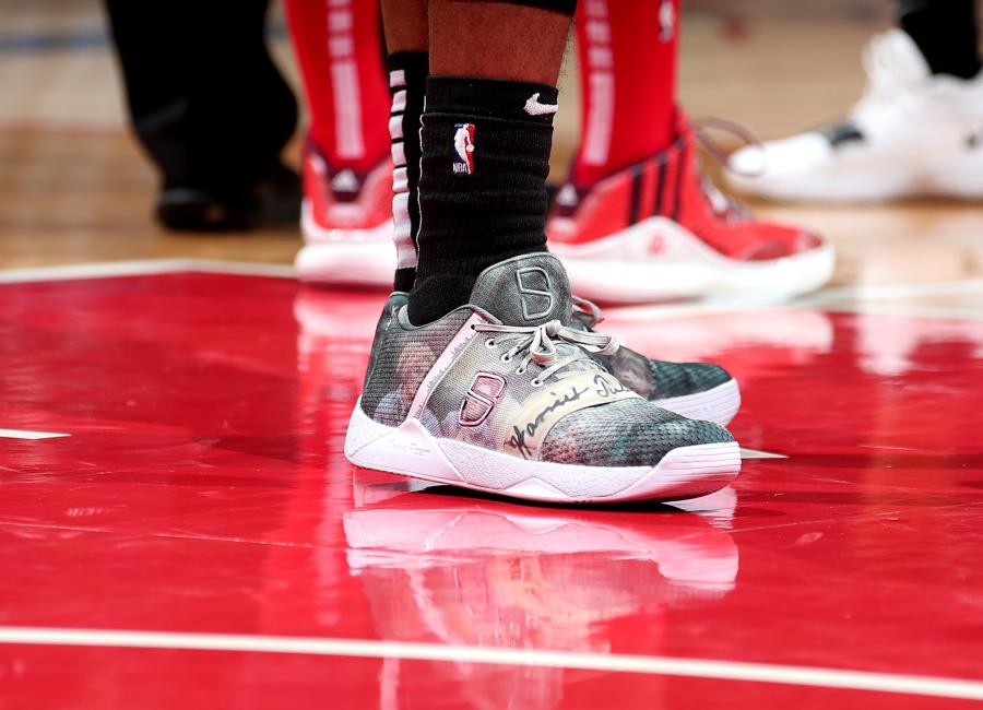 dinwiddie-sneakers-2019-18.jpg