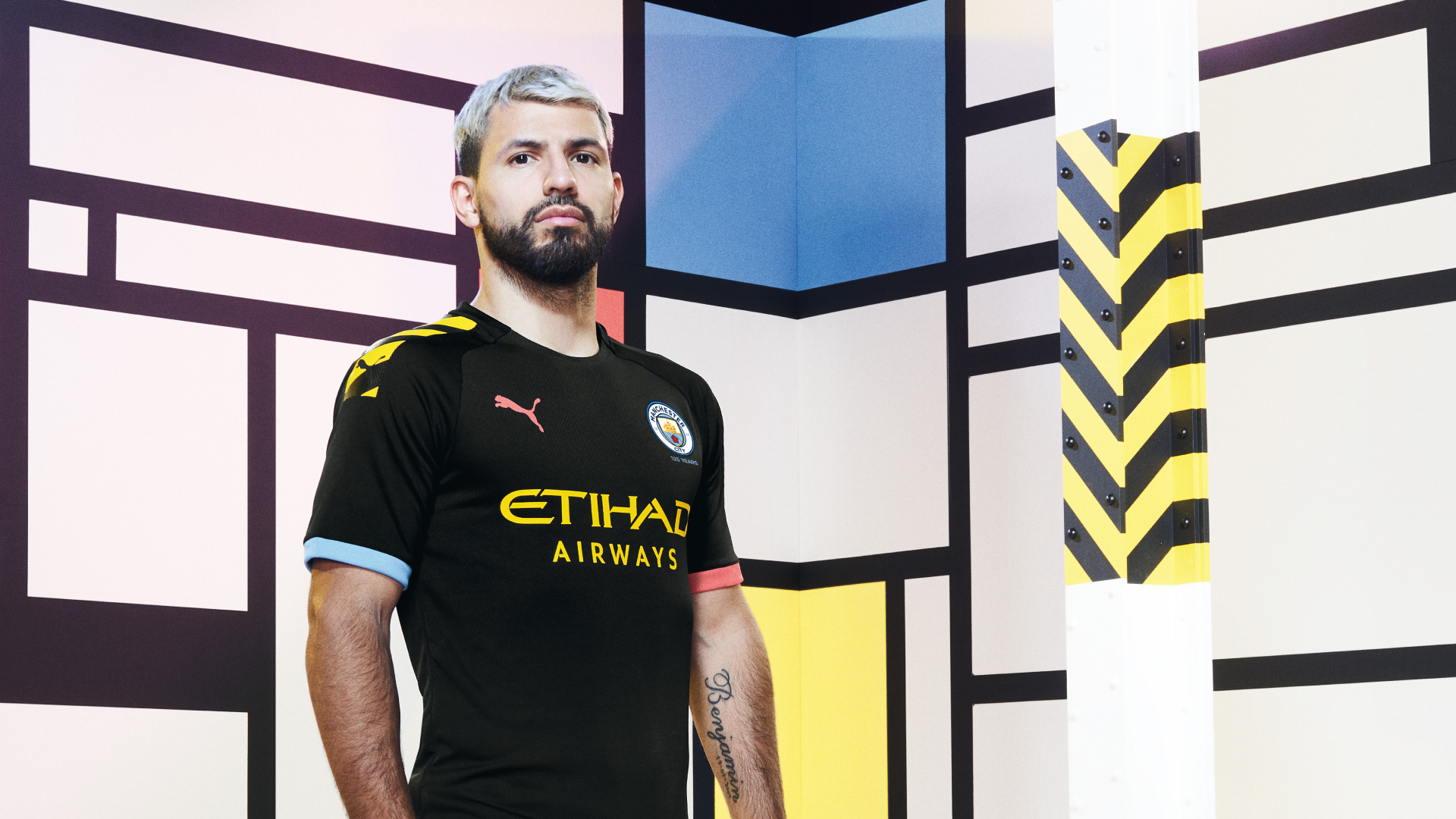 19AW_Social_TS_Football_Manchester-City_Away_1920x1080px_Portrait_Aguero_06650.jpg