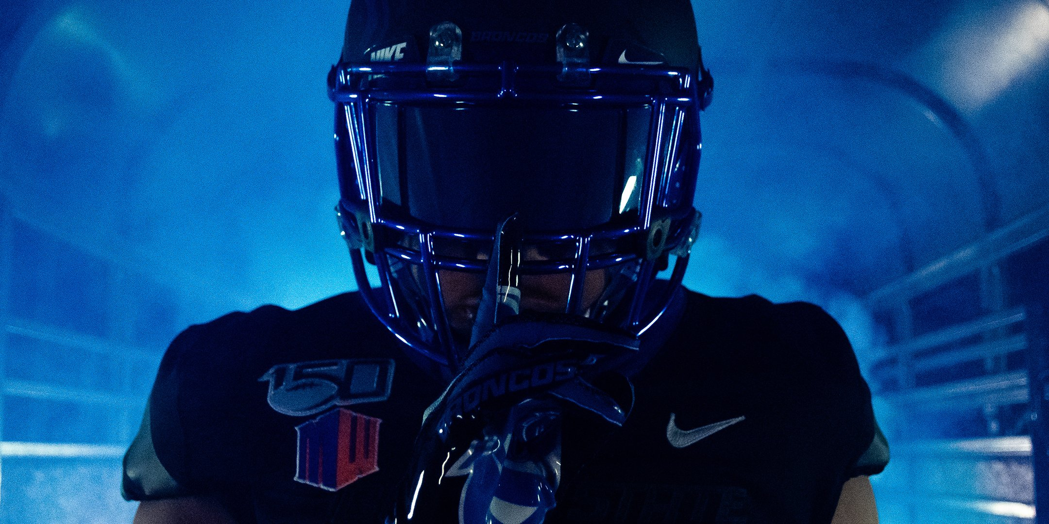 b89b3a03 Boise State Blackout Uniform — UNISWAG