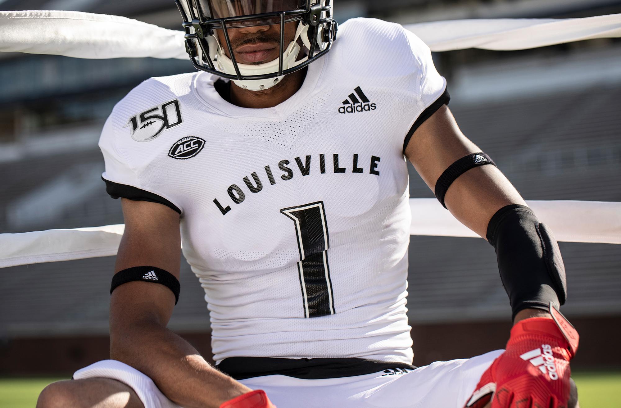quality design 2dea2 93b61 Photos Of Louisville Football Muhammad Ali Inspired Uniforms ...