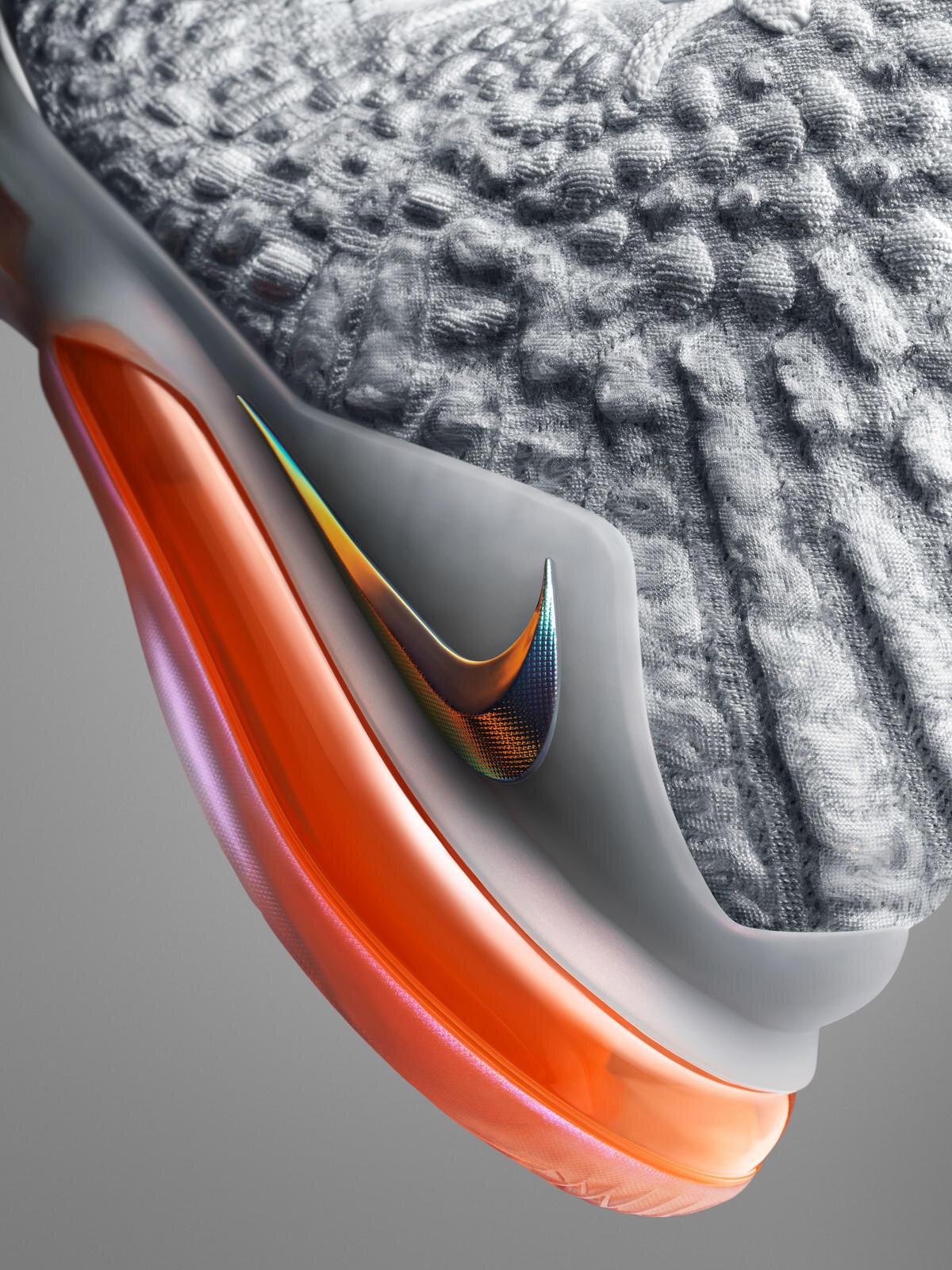 NikeNews_HO19_BB_LeBron17_FutureAir_Airbag_V3_90320.jpg
