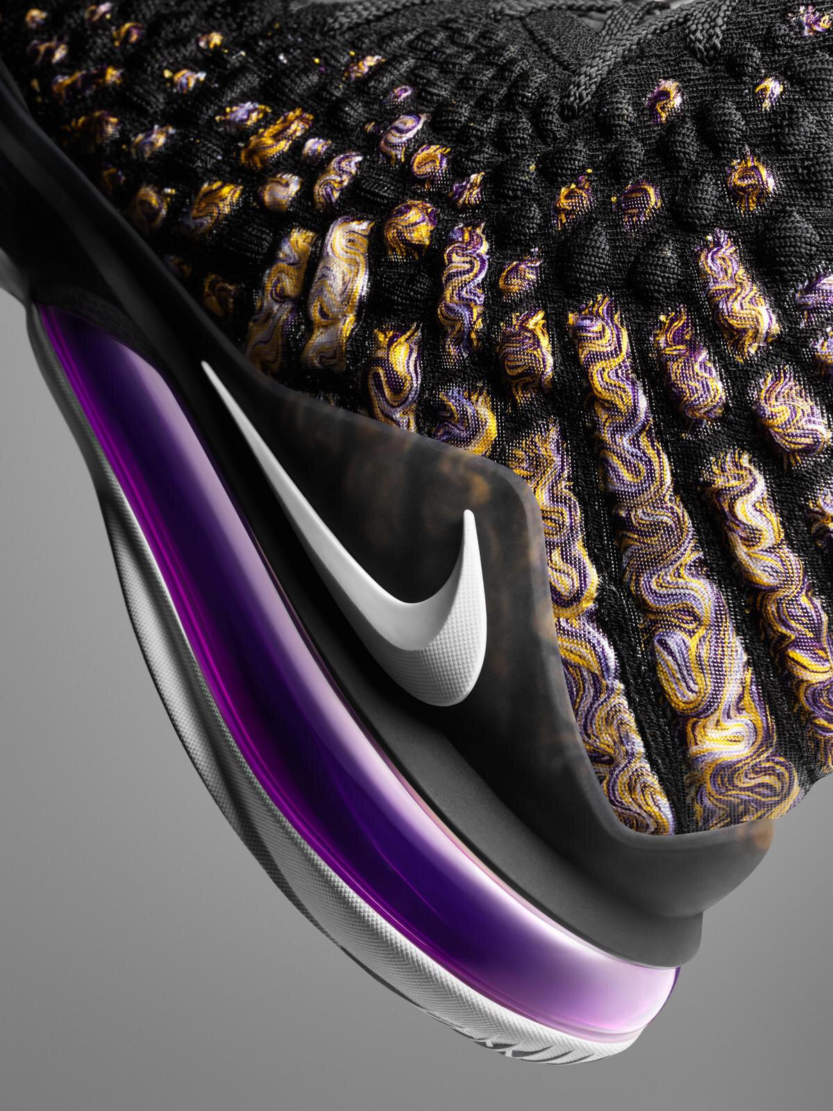 NikeNews_HO19_BB_LeBron17_Purple_Gold_Airbag_90402.jpg