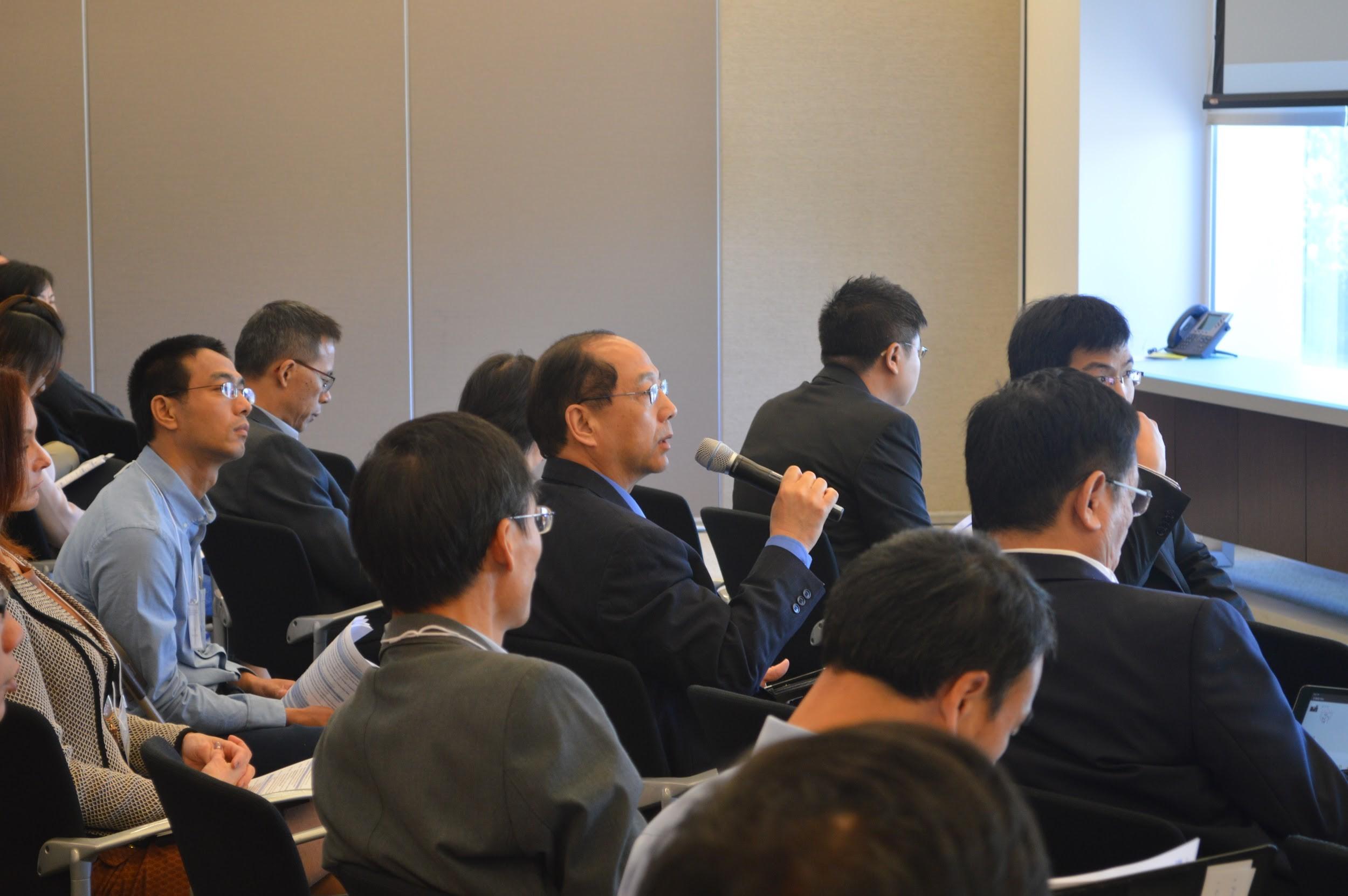分组讨论中嘉宾回答现场观众提问(摄影:Tiange Cui)