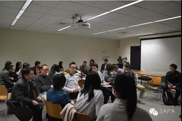 小组讨论中嘉宾解答疑问,现场气氛高涨 2