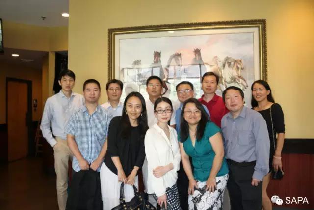 美中药协DC分会代表与中国驻美大使馆代表合影