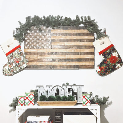pallet flag with stockings