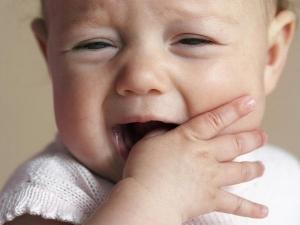 teething baby.jpg