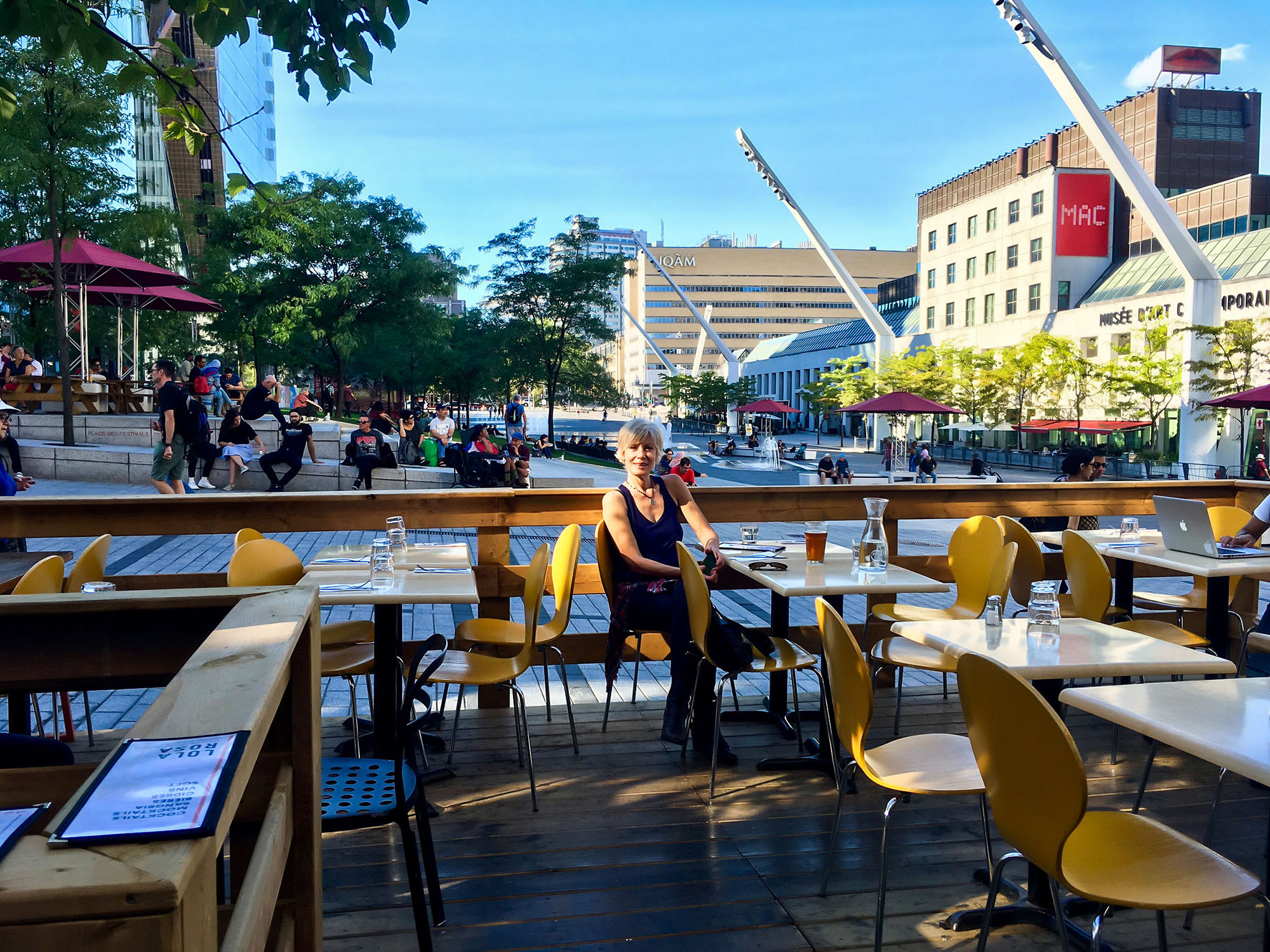 The Place des Arts is behind me and to the right. A perfect place for lunch!
