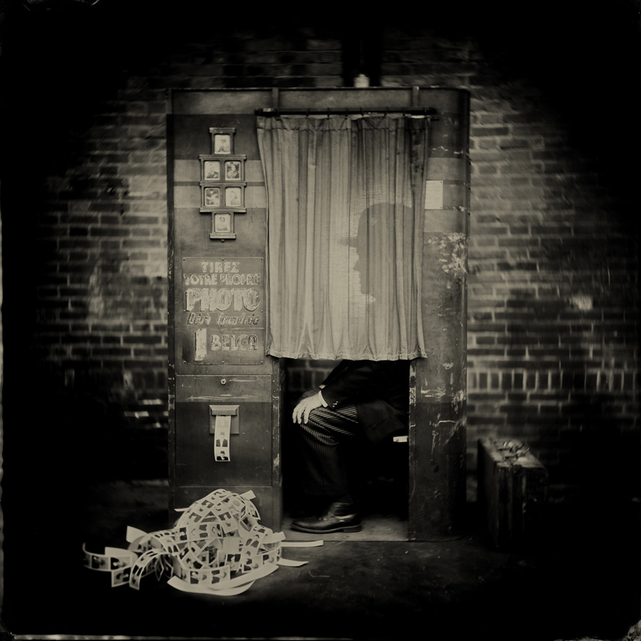 Addicted to selfies by Alex Timmermans  Available in different sizes. Price on request.