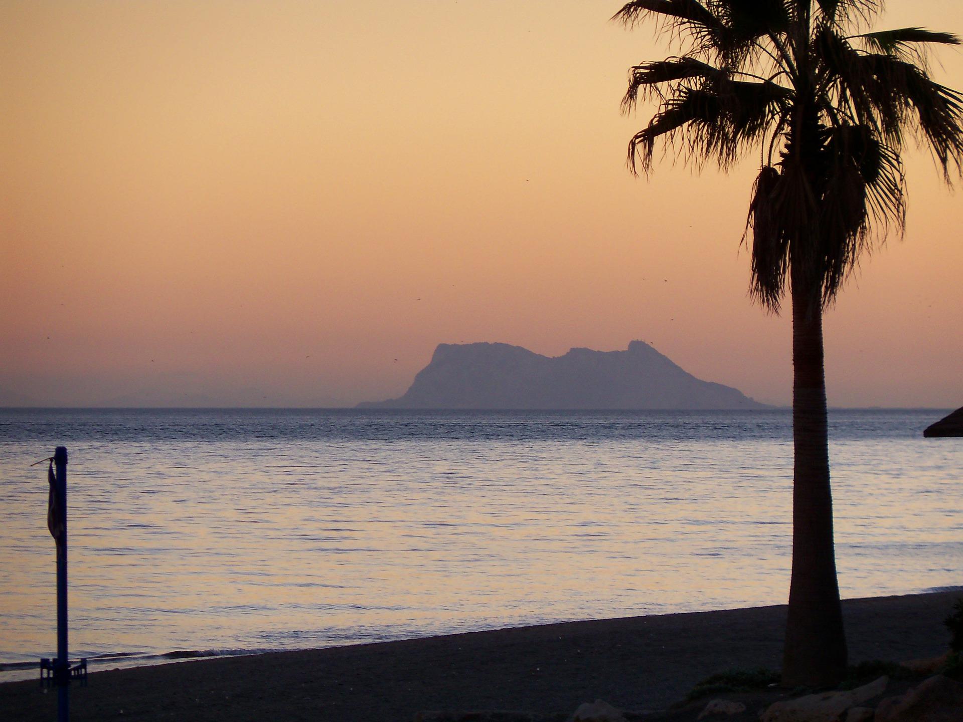 gibraltar-172650_1920.jpg