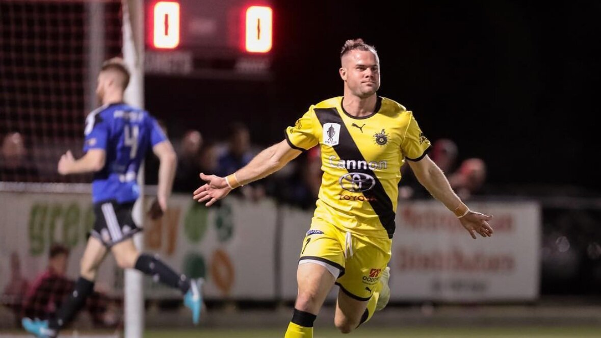 Heidelberg United in action in the FFA Cup, one of the strongest state league sides