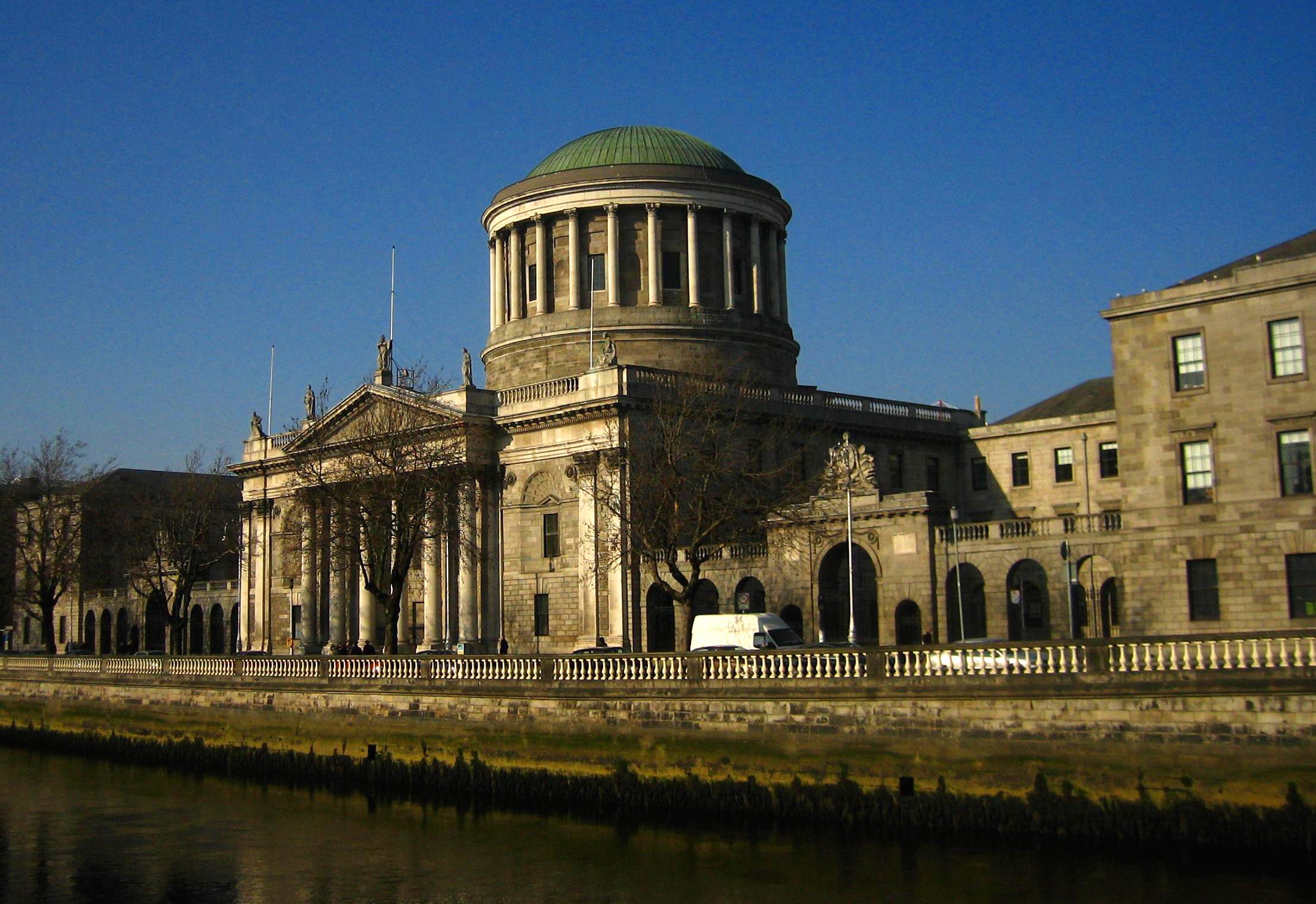 Four_Courts,_Dublin,_Ireland.jpg