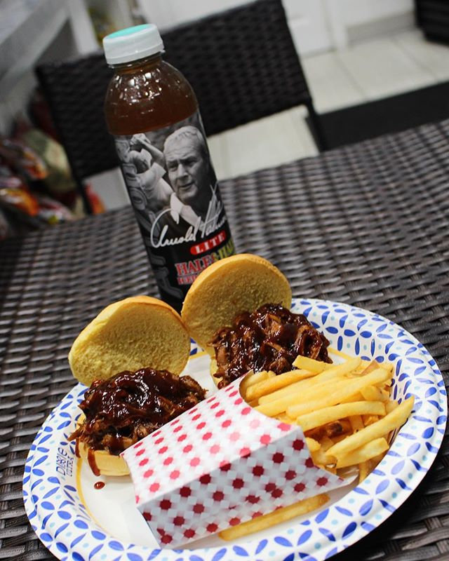 New to Menu: Pulled Pork Sandwich Combo with fries and an Arizona 🍟🍔#biggieburgers #merrick