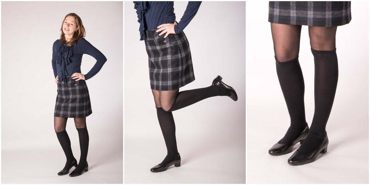 3)Lace Boot: a black lacquered lace-up shoe with cute socks with hearts and a bow tie! It's the details that finish the look!