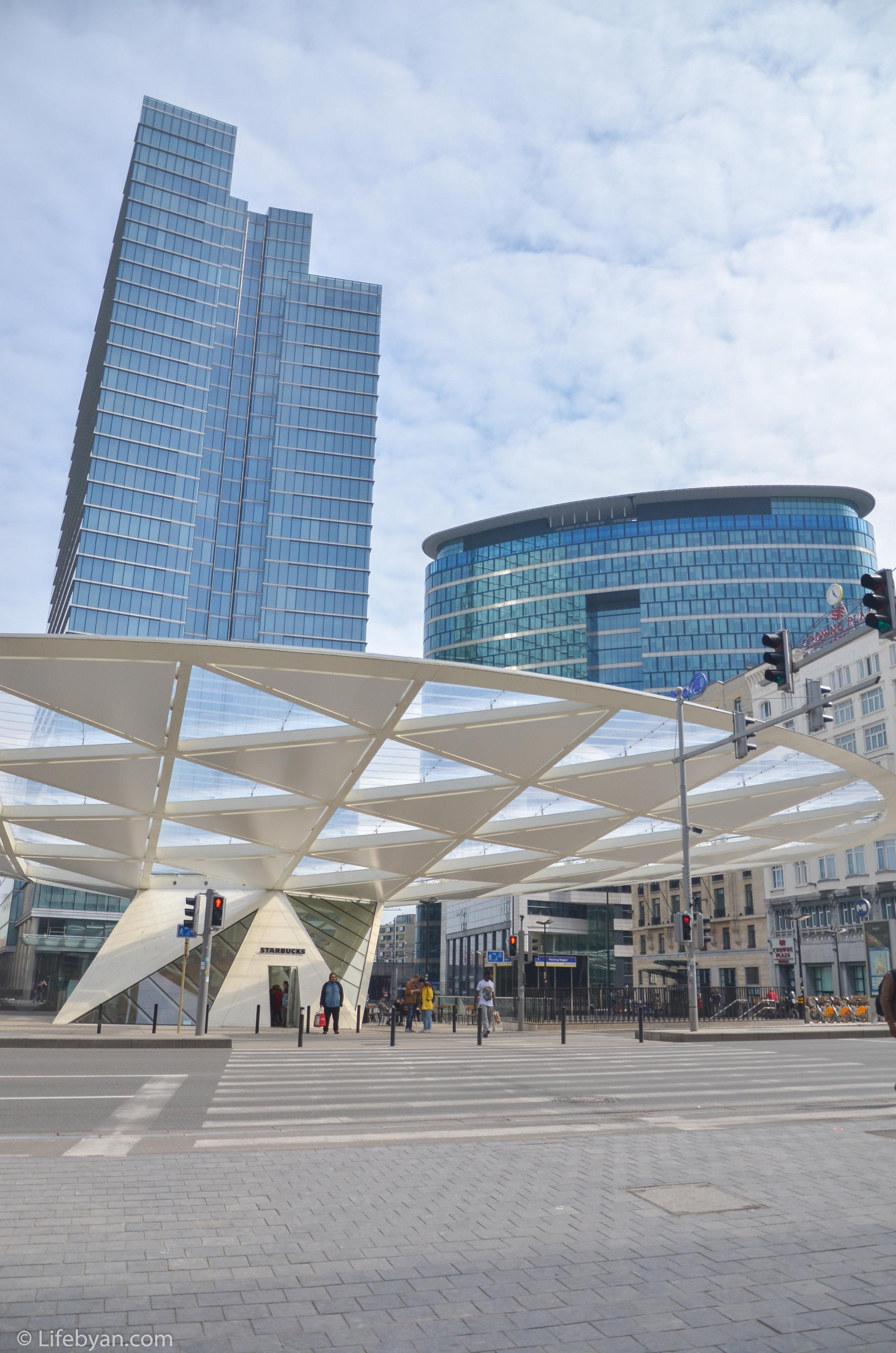 Moderne gebouwen (2).JPG