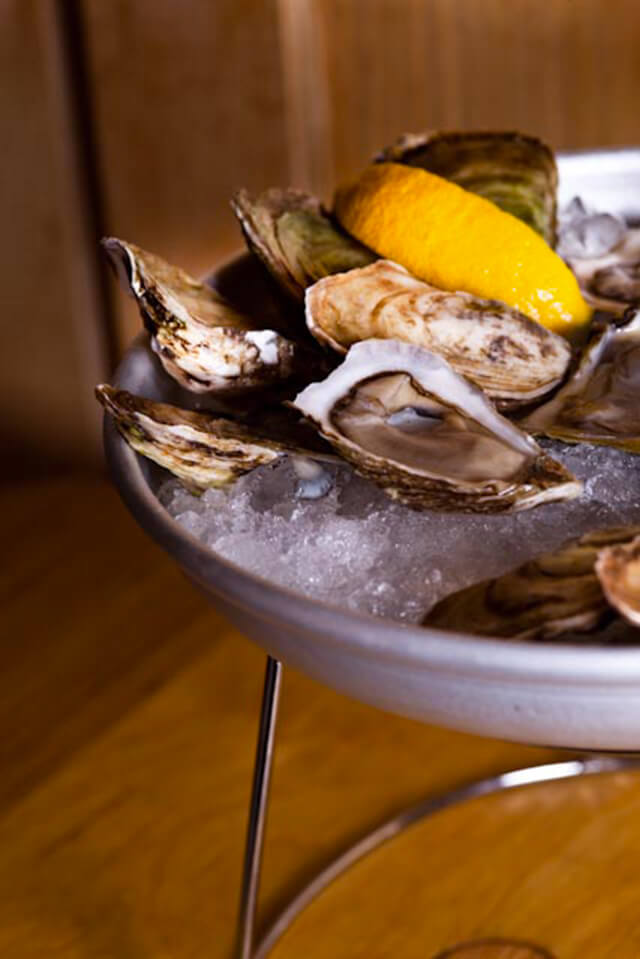 Pullman,wine bar Montreal, oyster