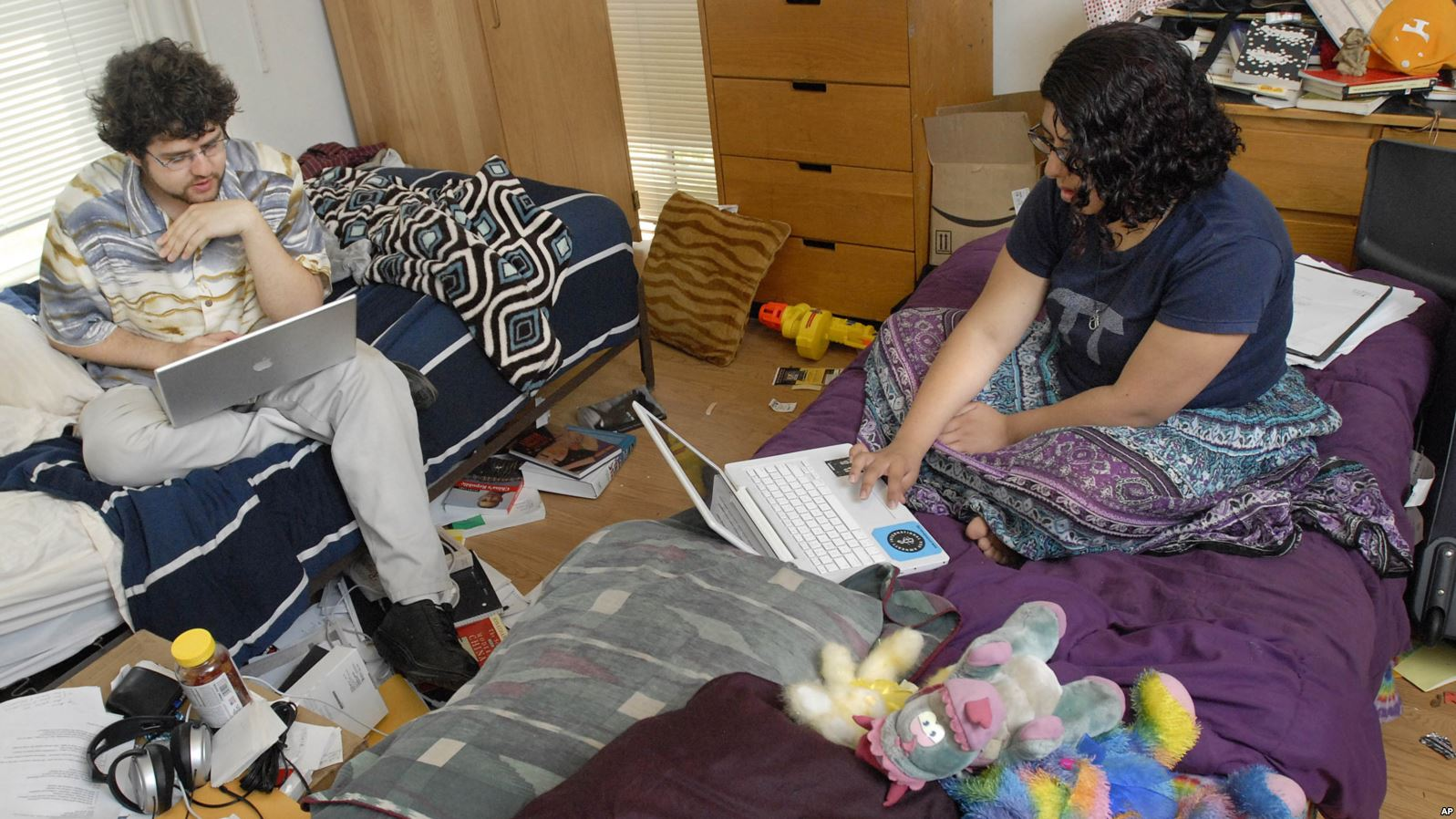 Hot Dorm Rooms Could Affect Students' Memory - Voice of America