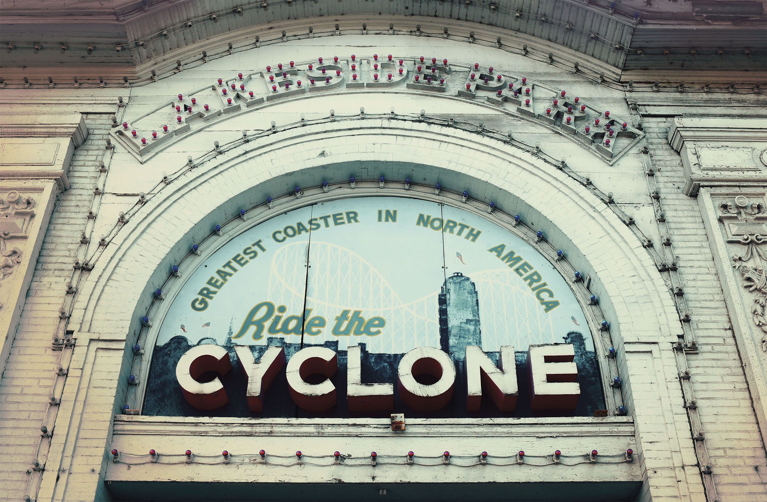 cyclone_sign.jpg
