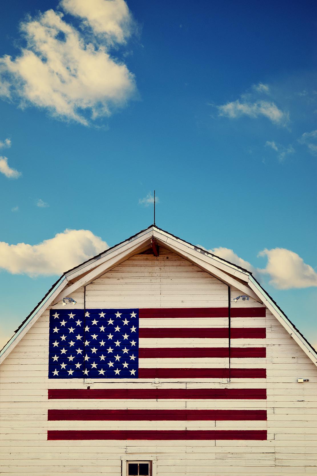 flag_barn.jpg