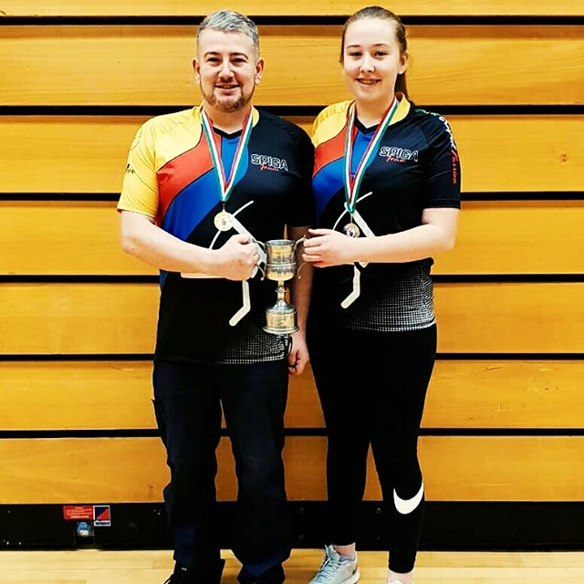 Hi everyone, on the road for the results of the Spiga Contest we would like to share this marvelous picture of our friends and Spiga Shooters Mathew with his daughter Amelia. Great job at the Welsh Indoor Senior Championships and our biggest congratulations for your first and second place. We are all proud of you. Follow us keep on sharing and keep on shooting. #spigateam #spigarelli #spigafamily #archerylove #archerylife #archerypassion #welshindoor #barebowshooters