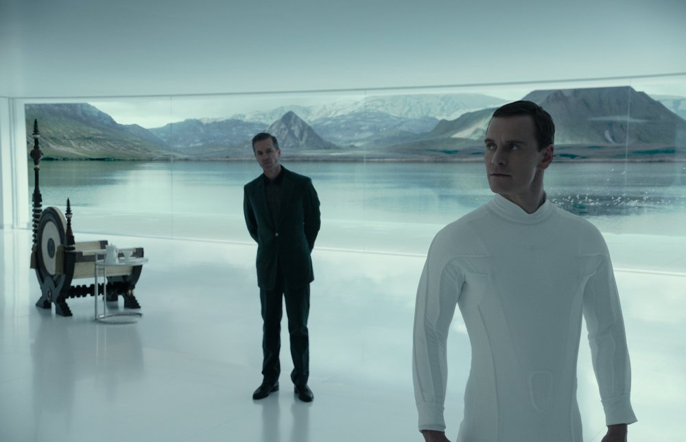 Guy Pearce and Michael Fassbender in  Alien: Covenant