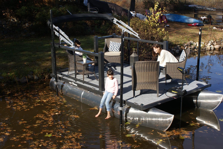 Lake Lounger 13 ft Pontoon Boat.jpg