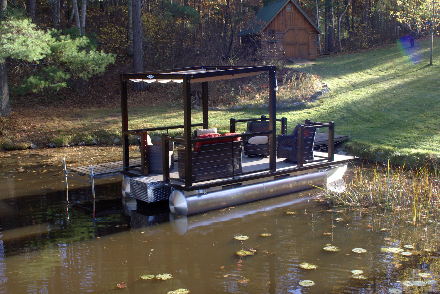 Lake Lounger 18 ft Pontoon Boat.jpg