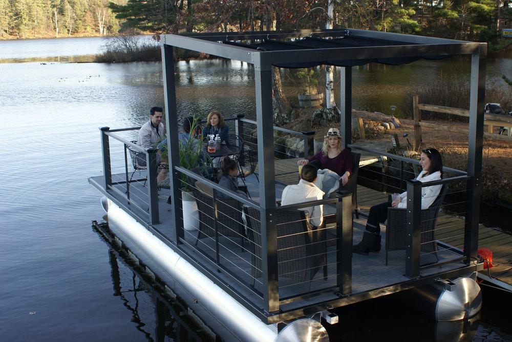 Lake Lounger 22 ft Pontoon Boat Friends.JPG
