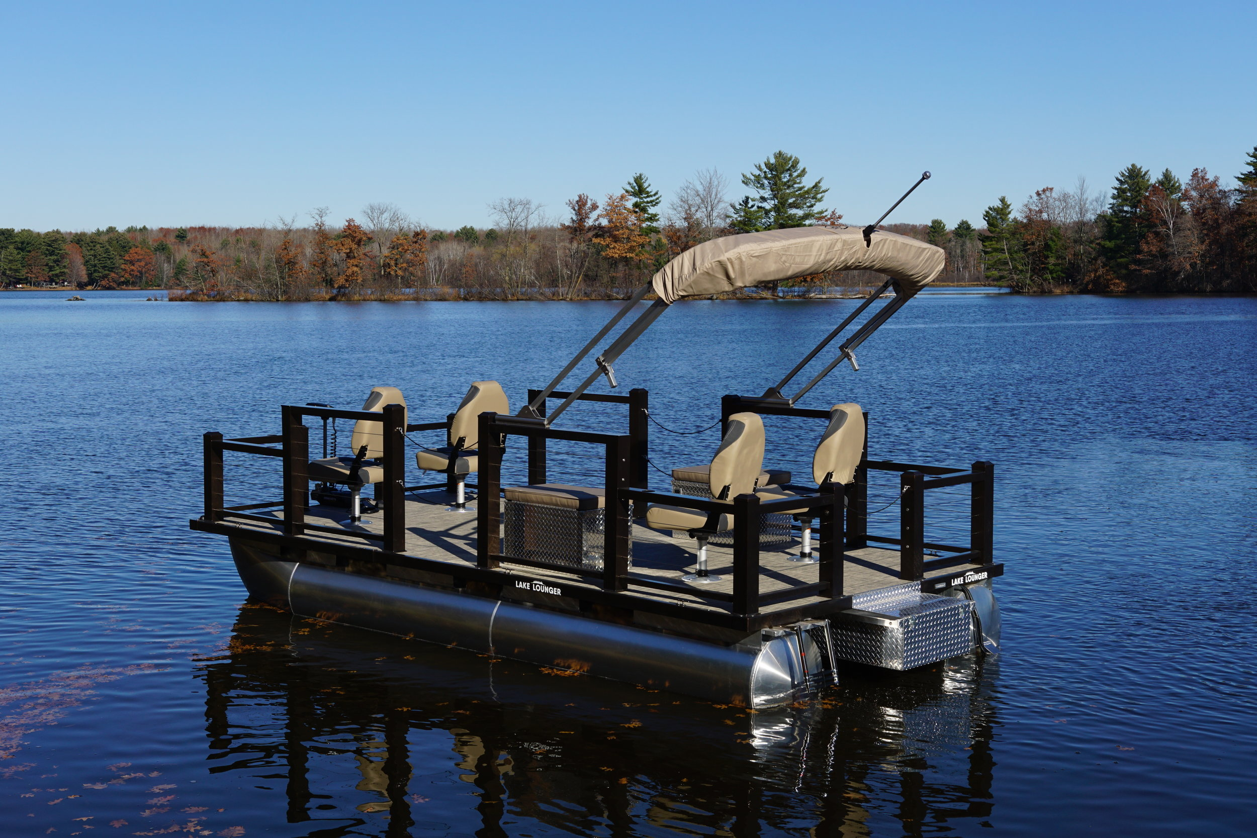 Lake Lounger 18 ft Fishing Pontoon Four Seats Standard.JPG
