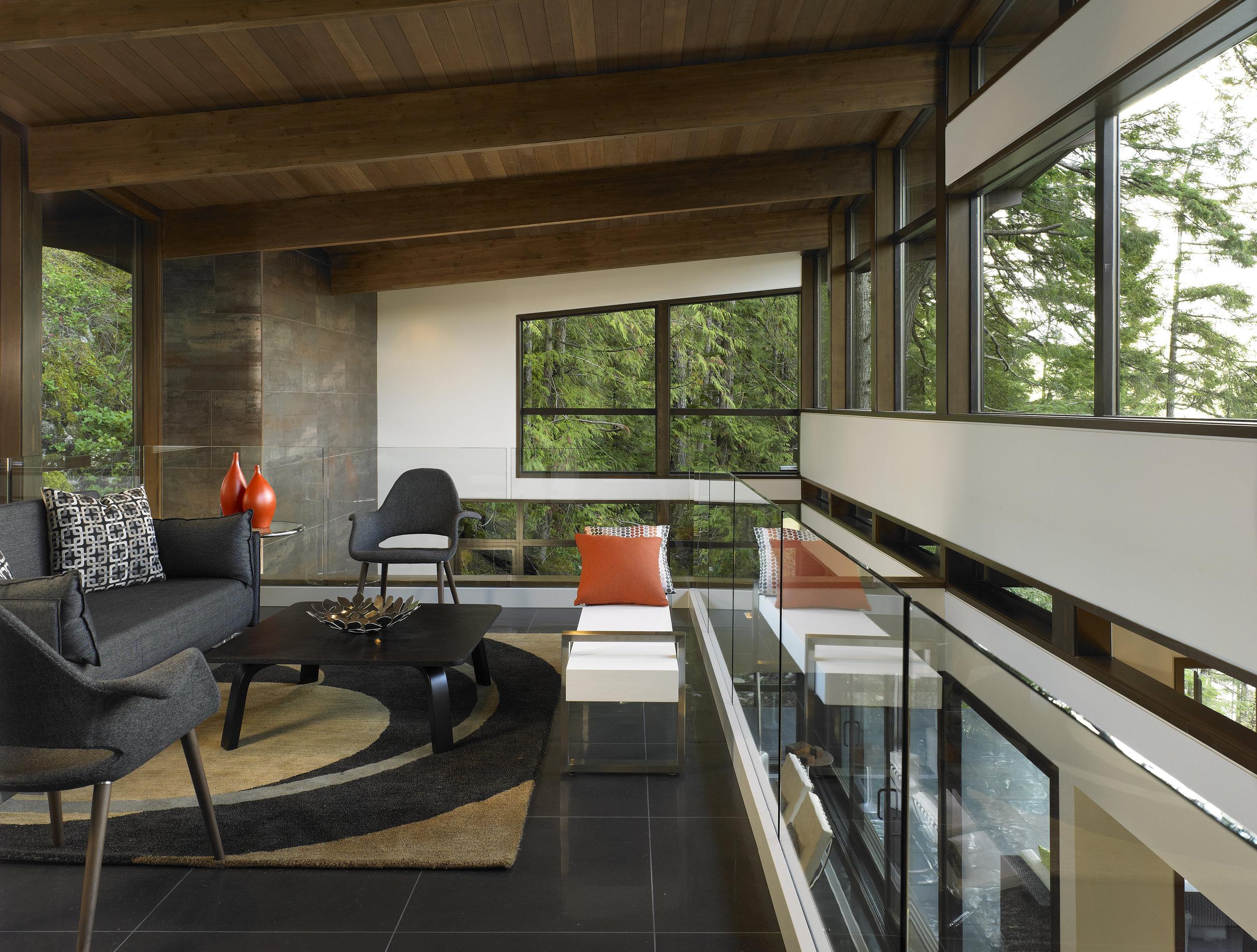 turkel_modern_design_prefab_gambier_island_house_living_space_interior.jpg