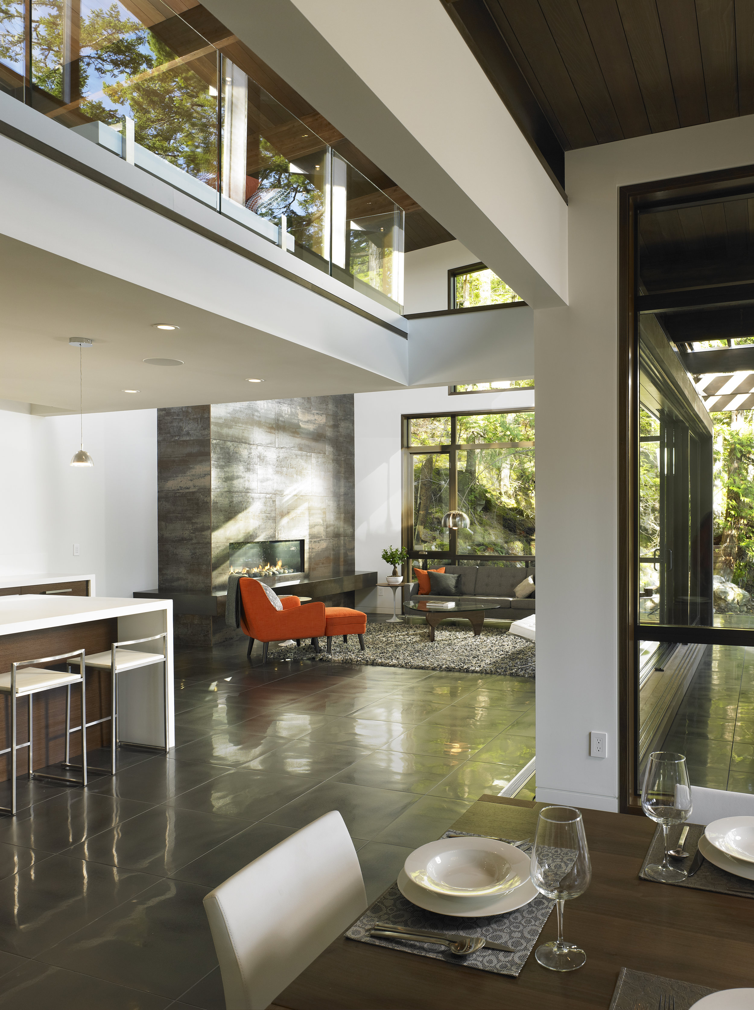 turkel_modern_design_prefab_gambier_island_house_great_room_interior.jpg