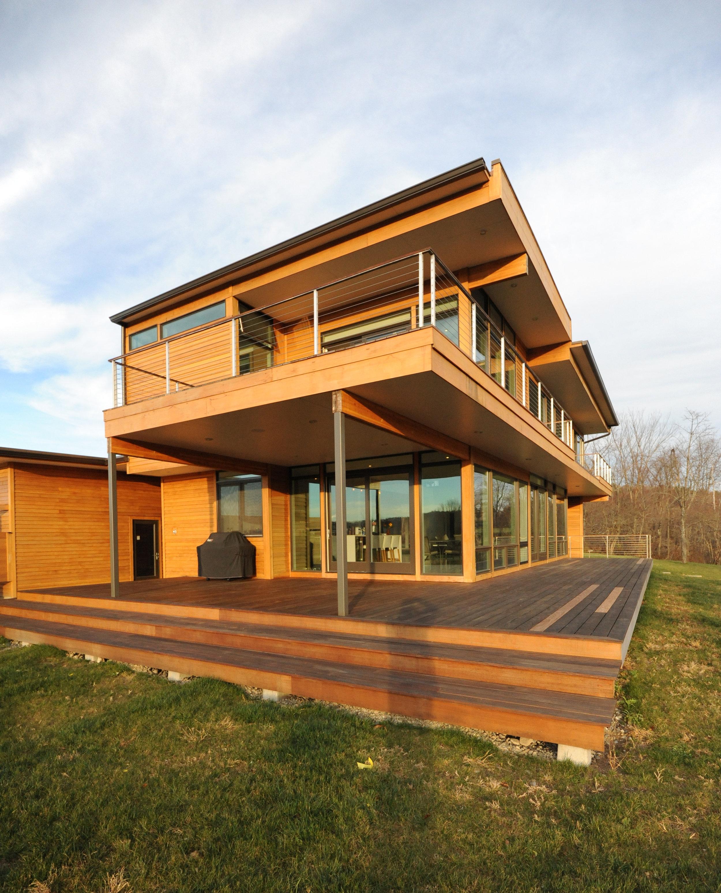 turkel_modern_design_prefab_home_writers_retreat_exterior_daytime.jpg