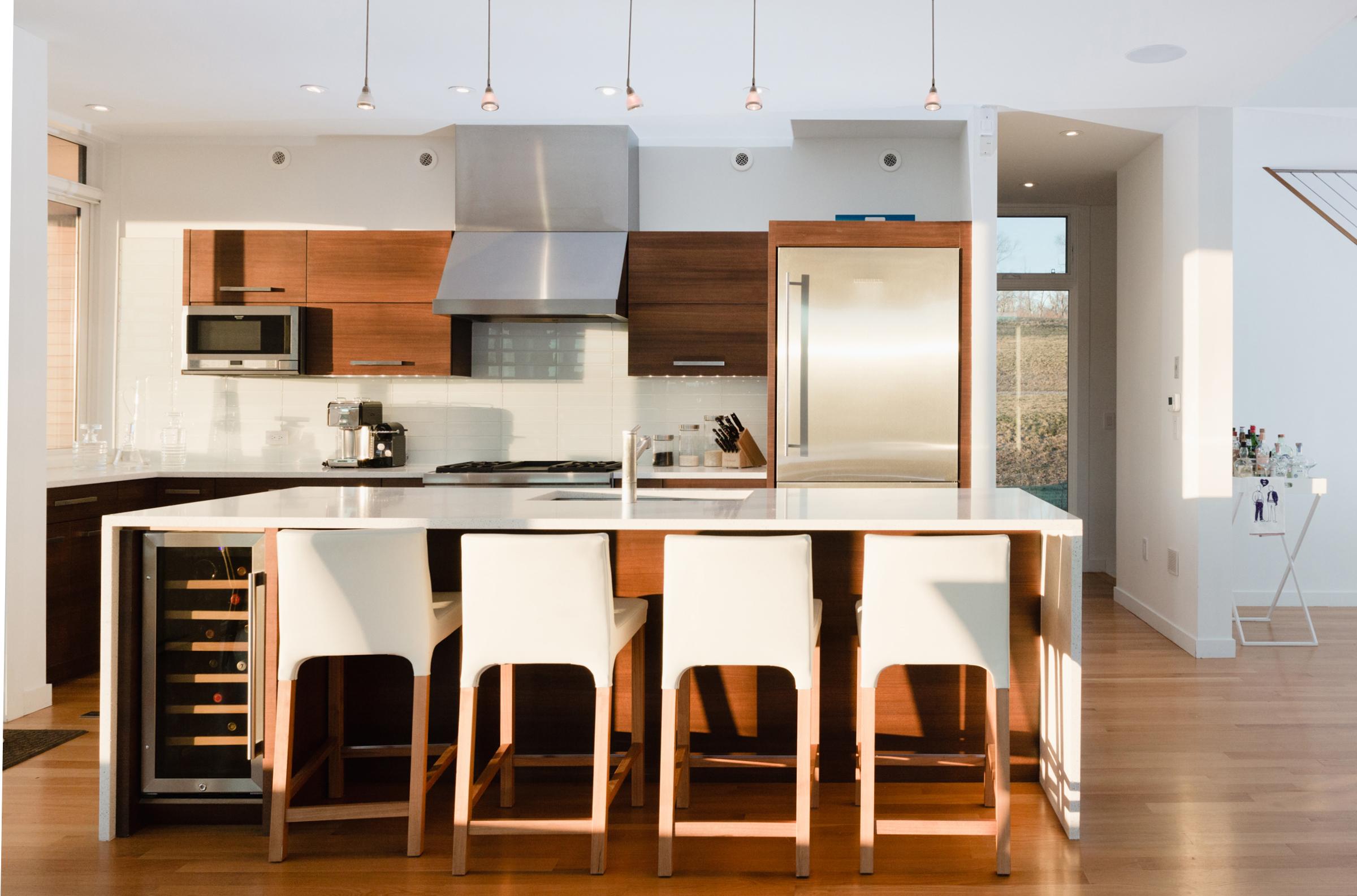 turkel_modern_design_prefab_home_writers_retreat_kitchen.jpg