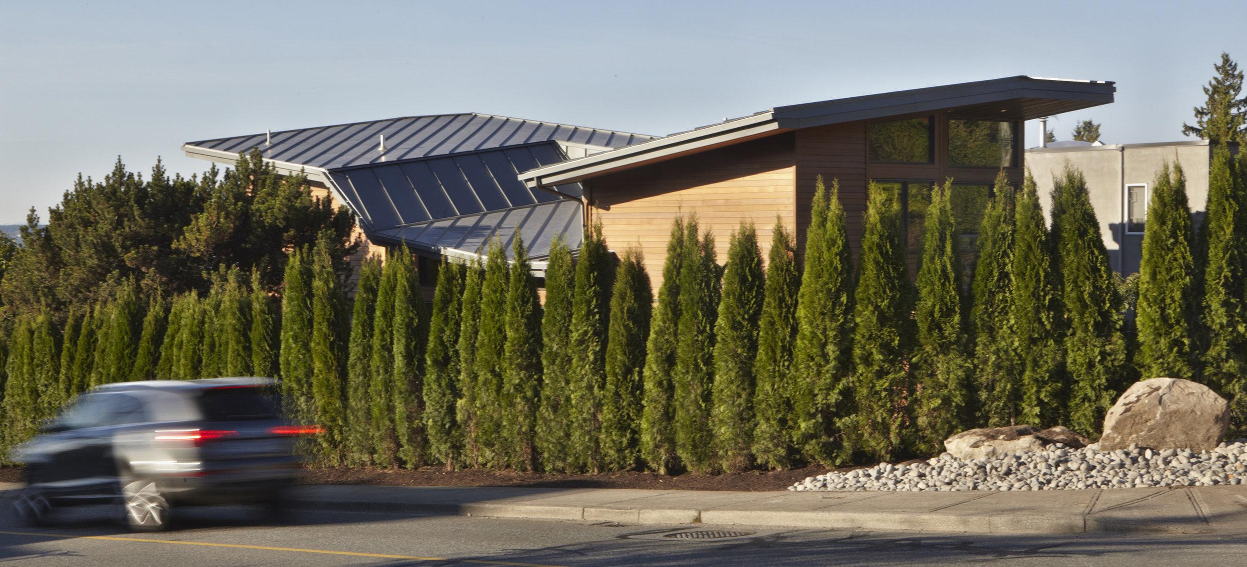 turkel_modern_design_prefab_home_west_vancouver_exterior_roof.jpg