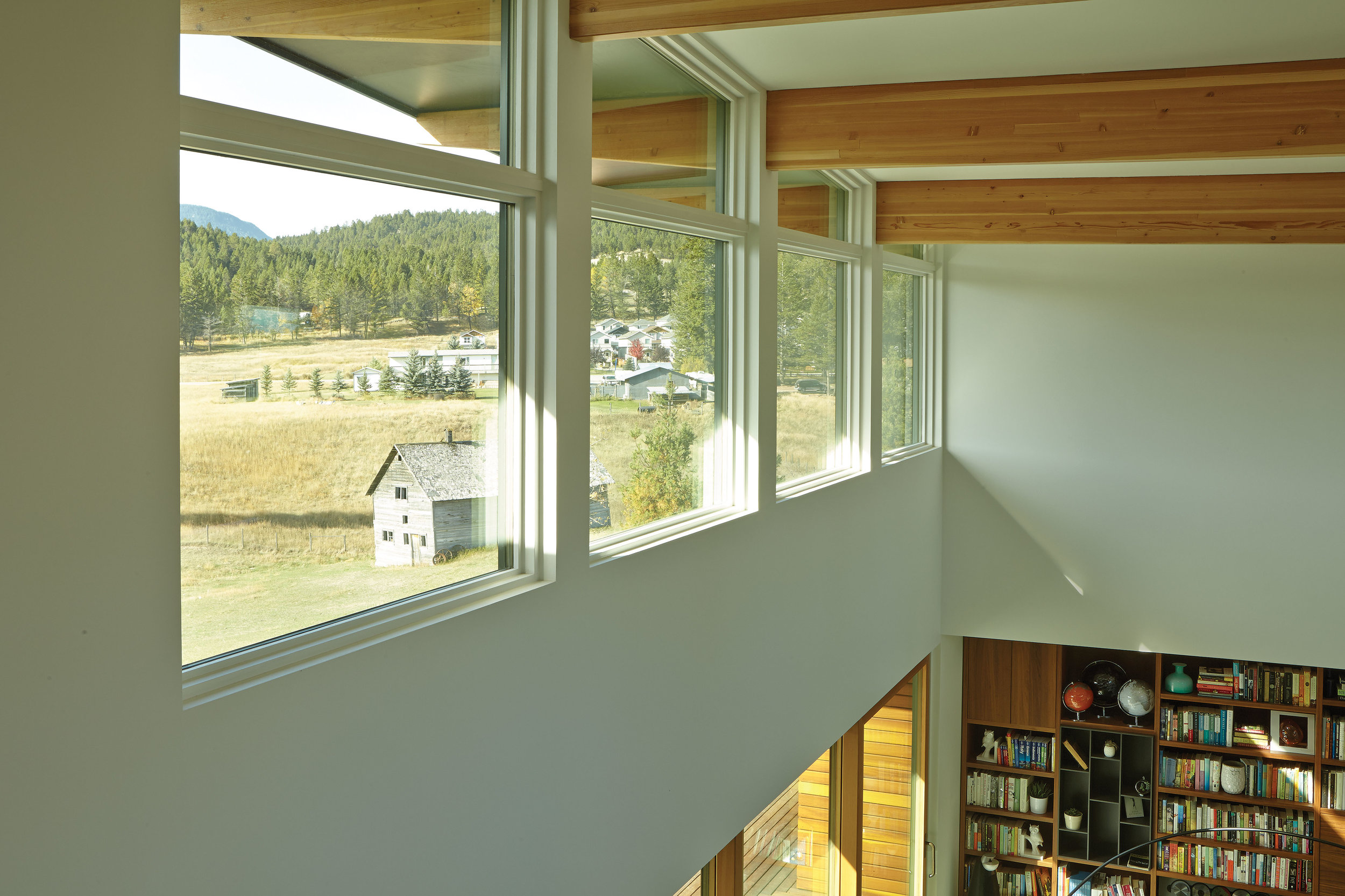 turkel_modern_design_prefab_home_windermere_britishcolumbia_windows.jpg