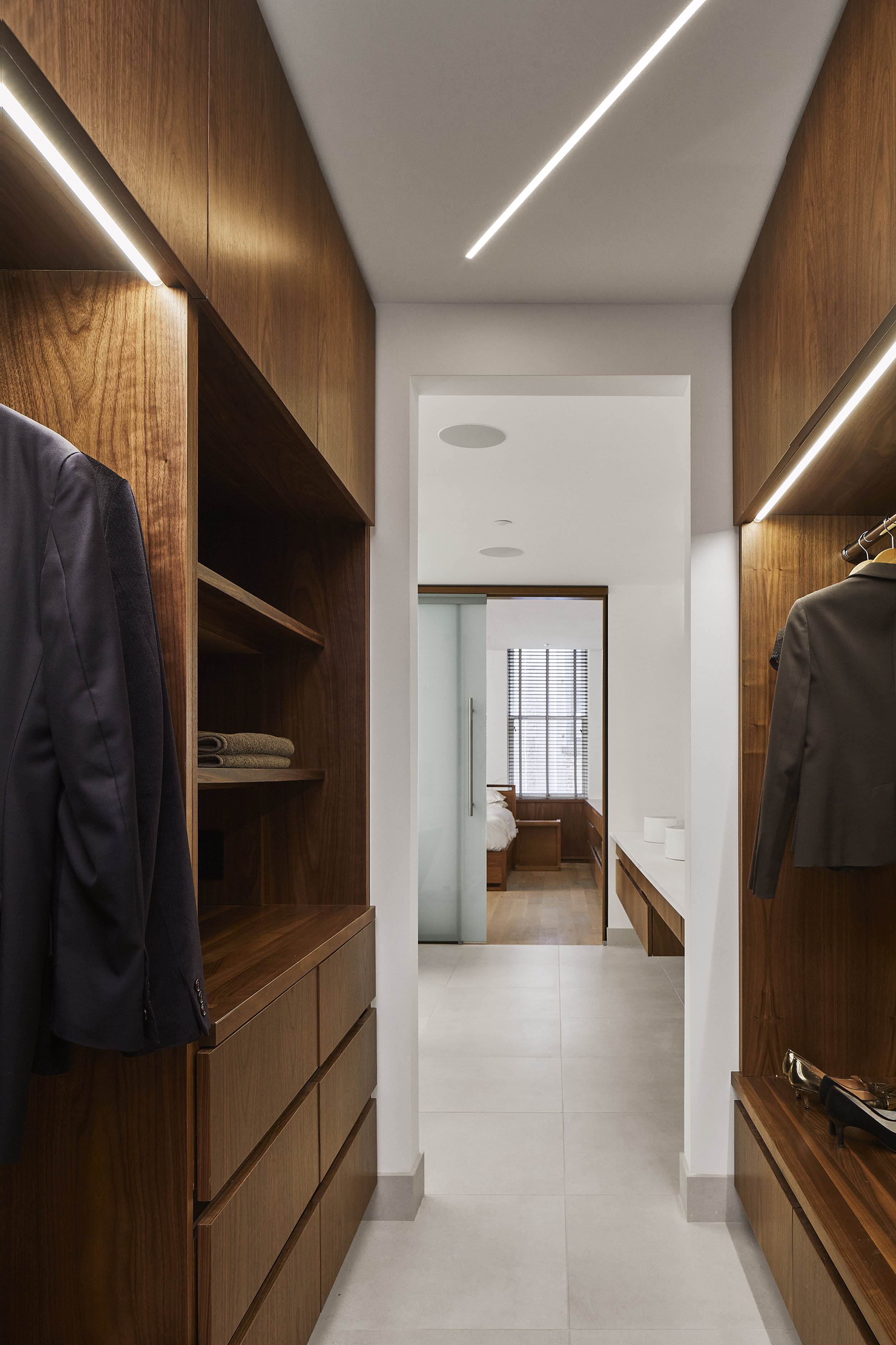 turkel_design_modern_prefab_home_soho_loft_closet_storage_cabinetry.jpg
