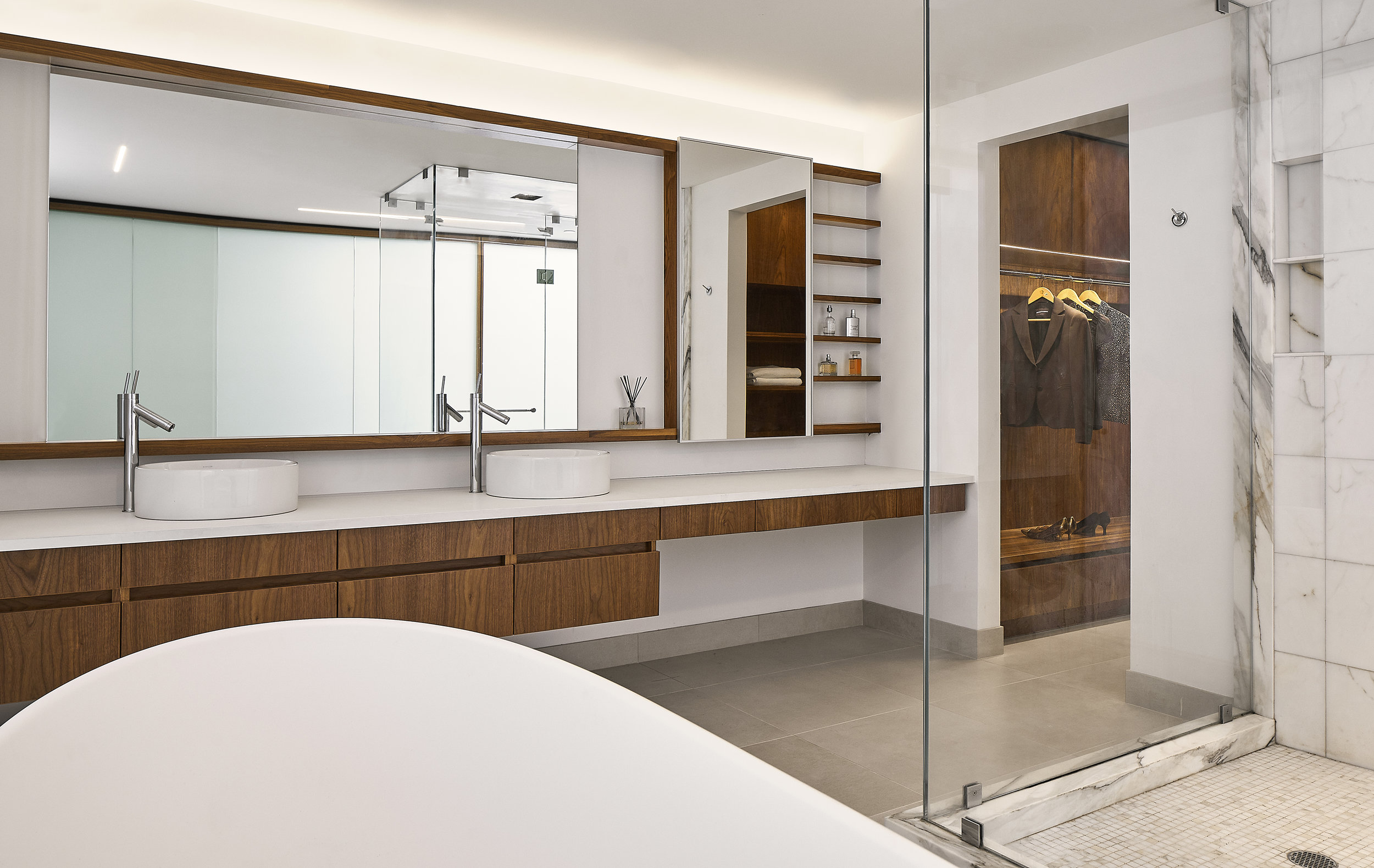 turkel_design_modern_prefab_home_soho_loft_bathroom.jpg