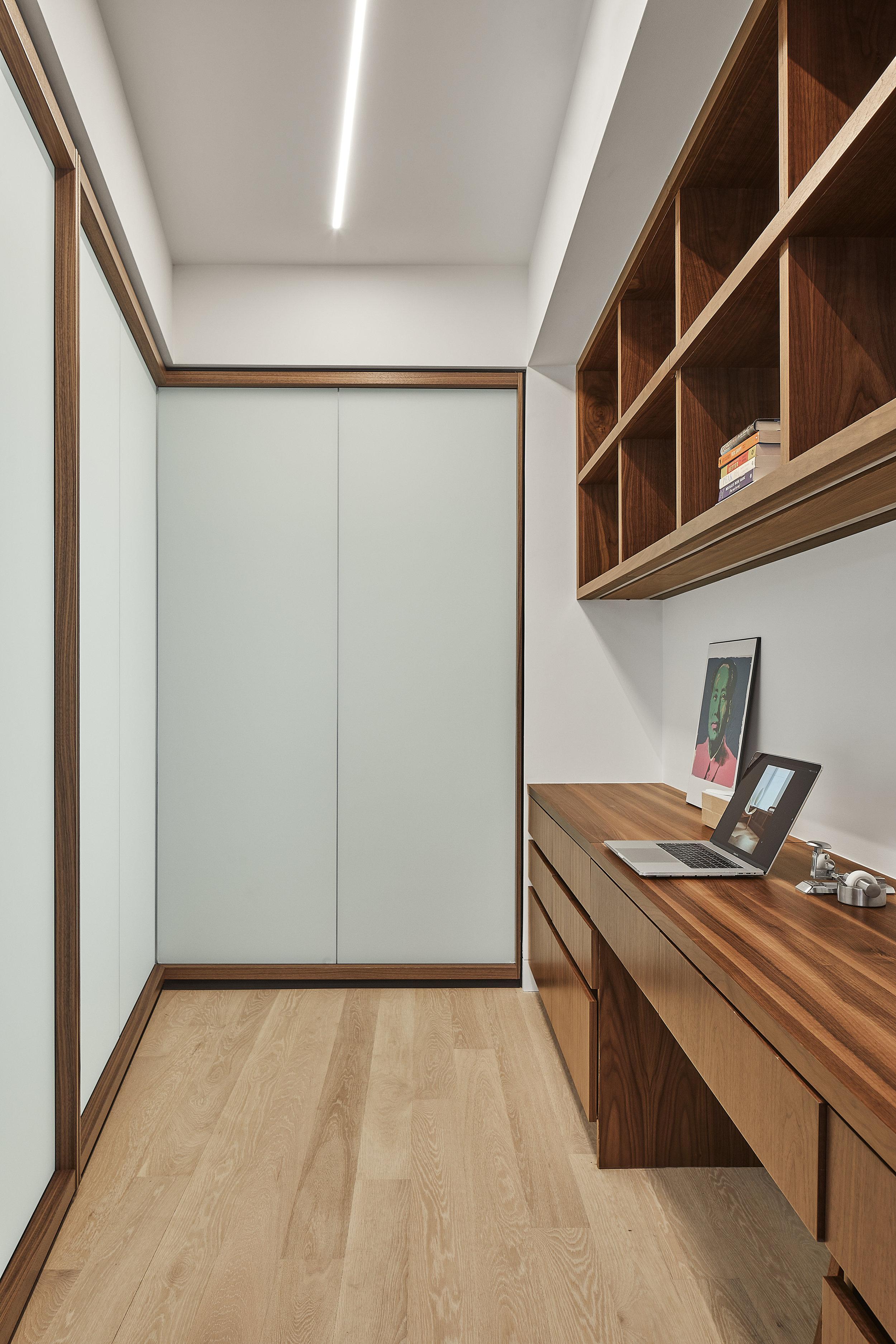 turkel_design_modern_prefab_home_soho_loft_office_cabinetry_storage.jpg