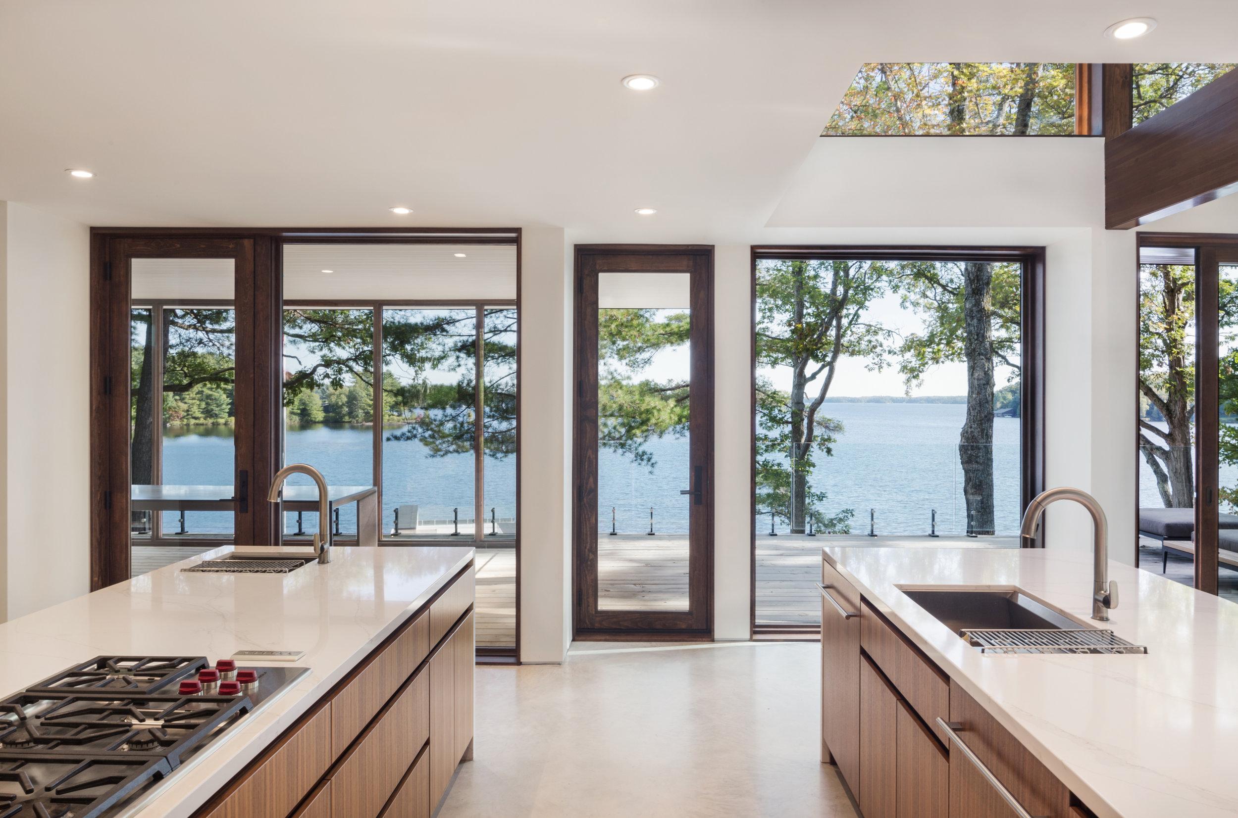 turkel_design_modern_prefab_home_kitchen_view.jpg