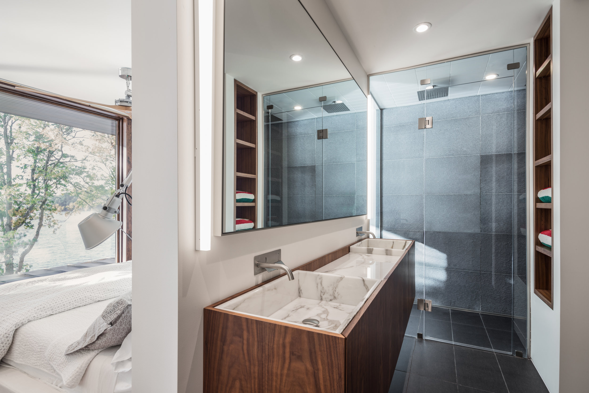 turkel_design_modern_prefab_home_bathroom.jpg