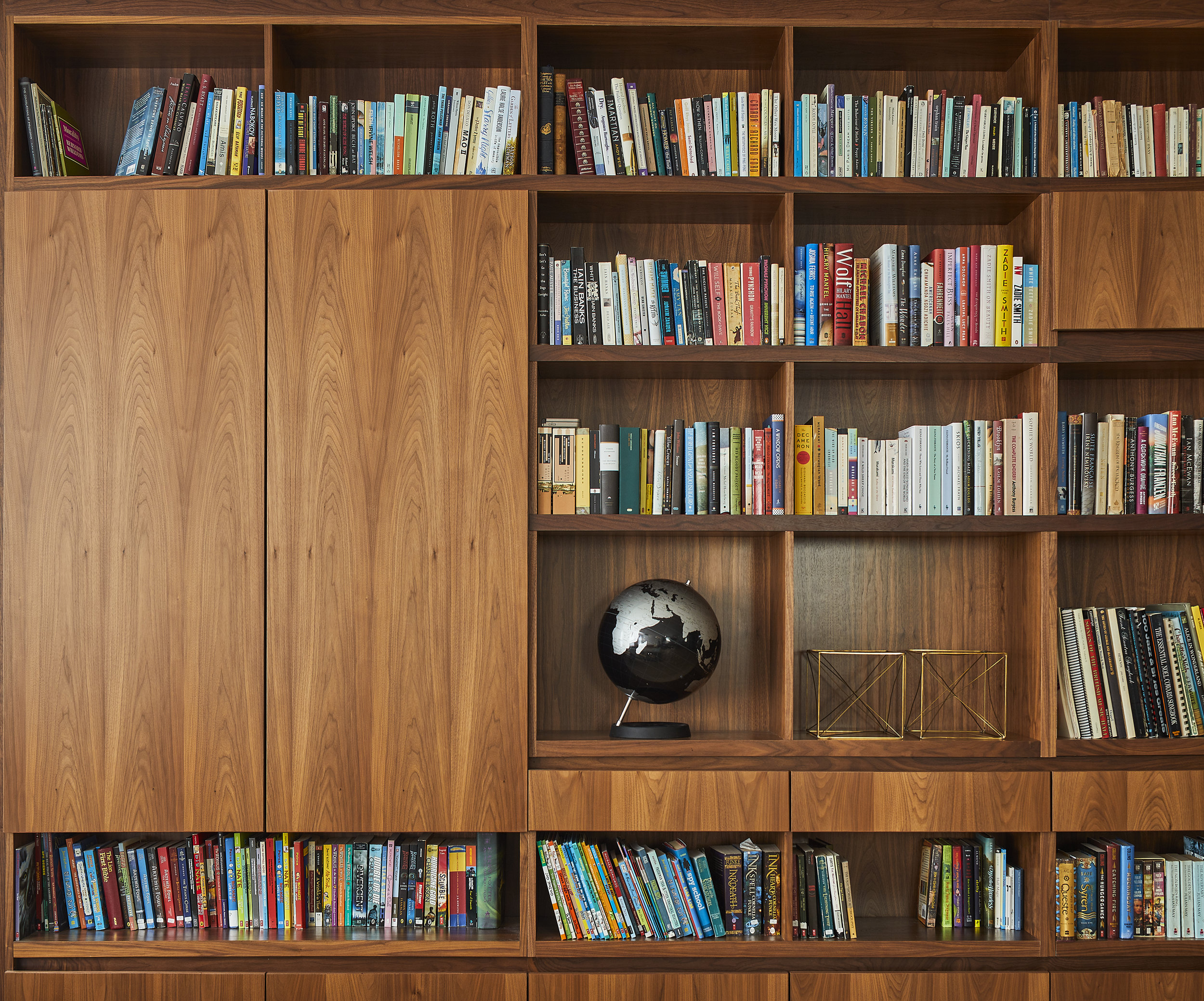 turkel_design_modern_prefab_home_soho_loft__cabinetry_storage_shelving.jpg